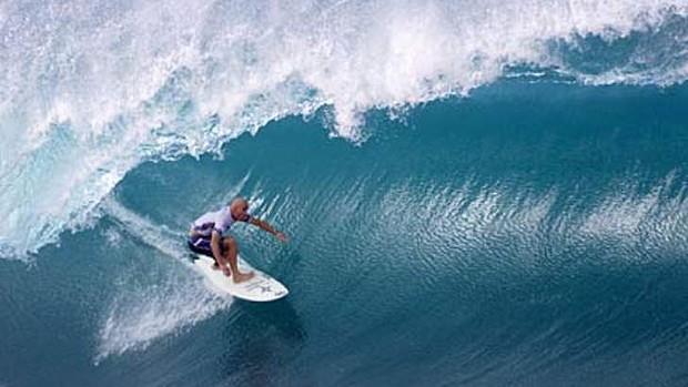 shane surfing pipeline