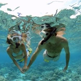 activities_couple_snorkeling