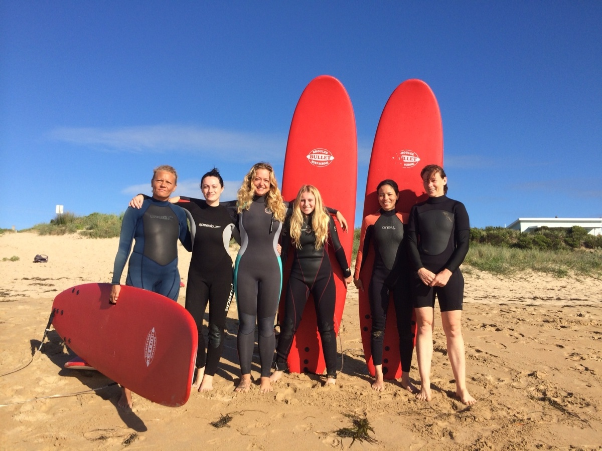 female friendly surfing lessons